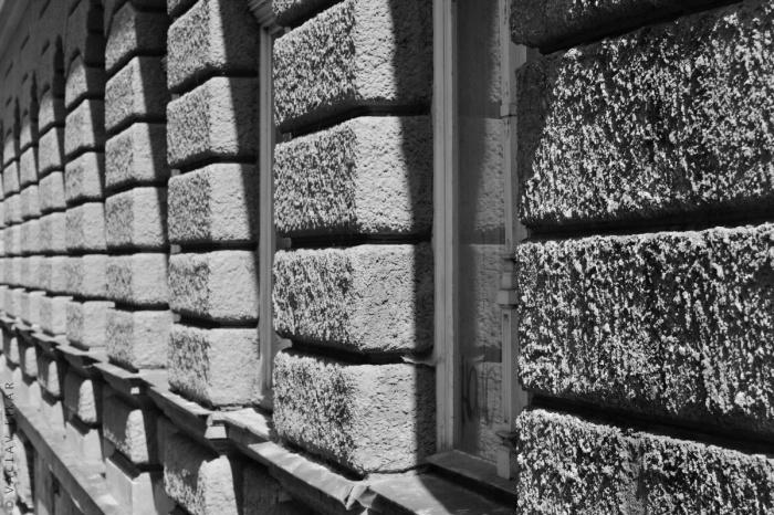 Pruhovaný příběh ulice / Striped story of the street