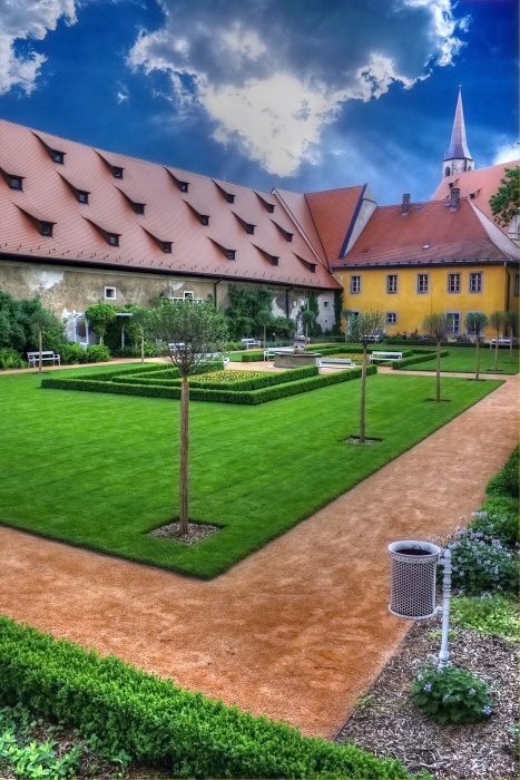 cheb - klášterní zahrada (Václav Fikar Photography - www.fikarvaclav.com)