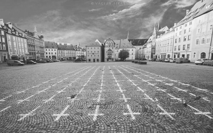 Kříze za zemřelé s covidem / České Bergamo