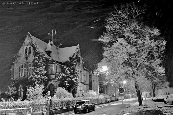 Sněhové šmouhy ulice